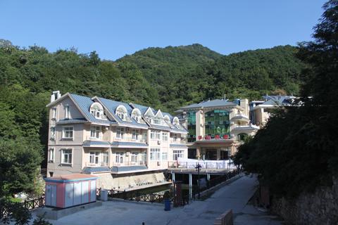 联系人:王学刚,刘晓糖      地址:蓟县下营镇常州村(九山顶风景